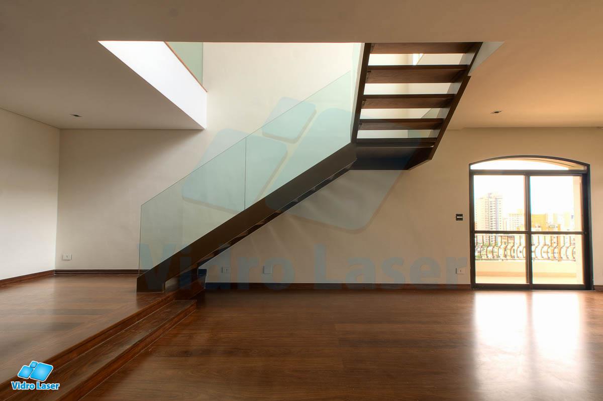 Super Escadas Metálicas e de Vidro - Conforto e Segurança - Vidro Laser DH11